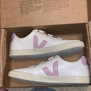 Lilac Veja Velcro Sneaker